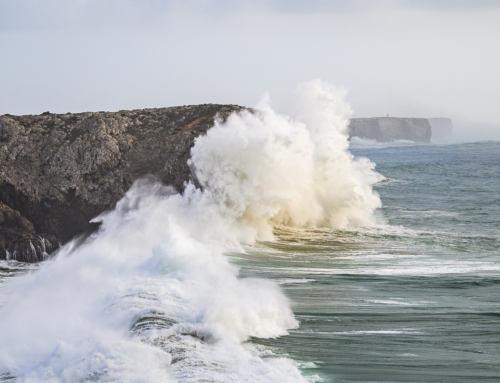 VIDEO: Obří vlny v portugalském Sagres